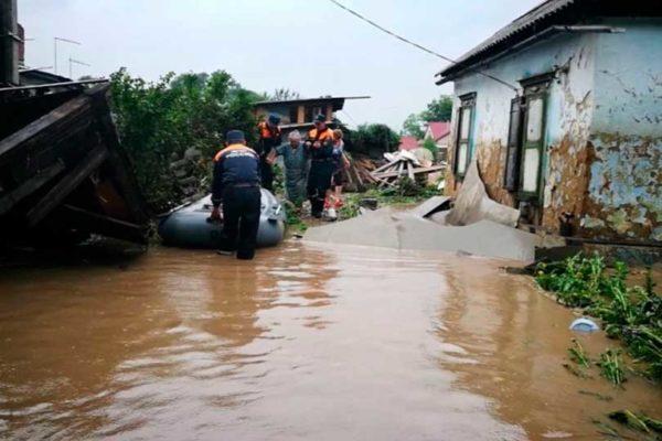 Власти Приморья начали выплату компенсаций пострадавшим от паводка