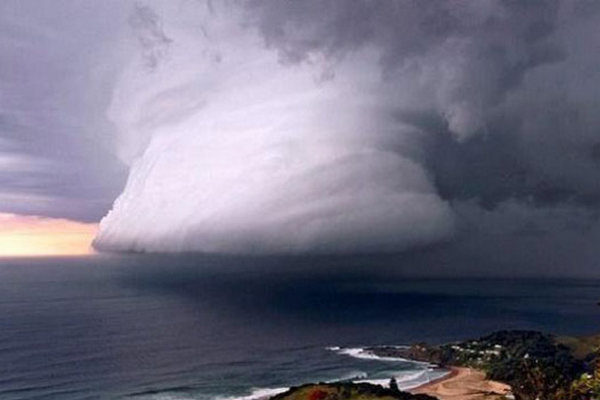"""Православная Церковь в США молится о прекращении урагана """"Ирма"""""""