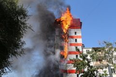 Крупный пожар произошел в гостинице в Ростове-на-Дону (видео)