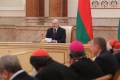 Президент Белоруссии предложил организовать встречу Патриарха Кирилла и Папы Римского