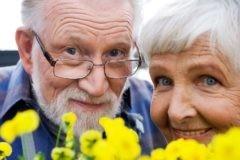 Большинство россиян не боятся старости и видят в ней плюсы