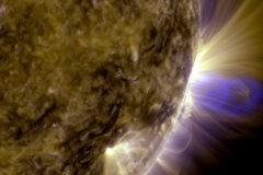 На Солнце произошла самая мощная за 12 лет вспышка