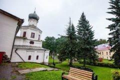 В Новгородском храме XIV века отслужили первую за 150 лет литургию