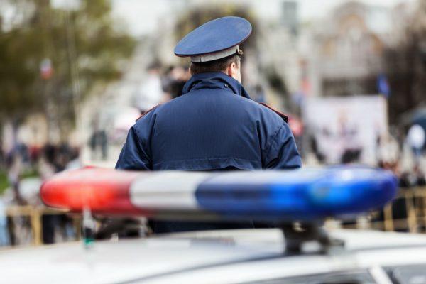 Челябинский полицейский спас женщину из пожара