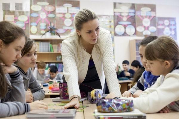 Как три учителя уехали работать из большого города в глубинку и что из этого вышло