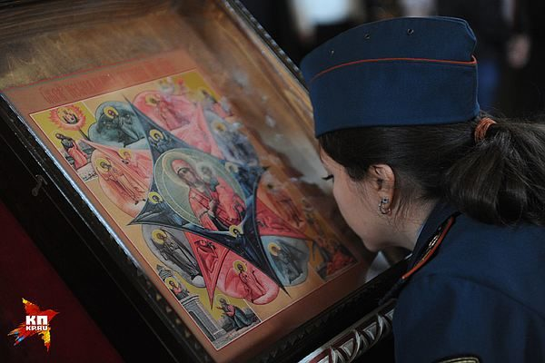 В Москве около 5 тысяч спасателей участвовали в молебне в честь иконы Неопалимая Купина