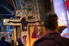 Не вся ли Церковь в лице Богородицы стояла перед Крестом