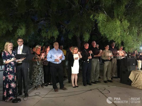 В Лас-Вегасе почтили память погибших при стрельбе