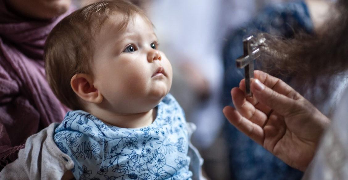 Можно ли покрестить ребенка без огласительной беседы?
