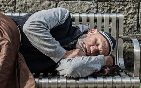 Подростки пожалели бездомного и стали известны всему миру