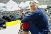 Жена известного погибшего альпиниста прошла по его последнему маршруту