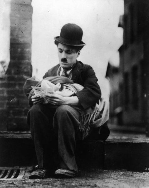 Киноклуб «Правмир» – легендарный фильм Чарли Чаплина «Малыш»