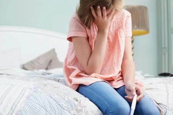 За пять лет количество абортов среди подростков сократилось вдвое