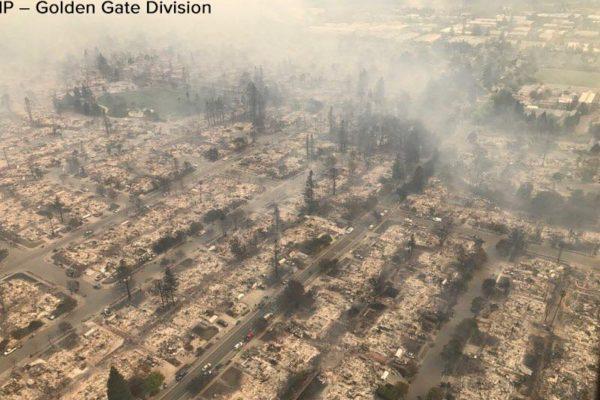 В Калифорнии из-за природных пожаров пострадали более 100 человек