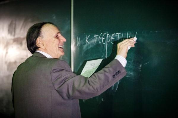 Новые открытия академика Зализняка в 2017 году (видео+текст лекции)