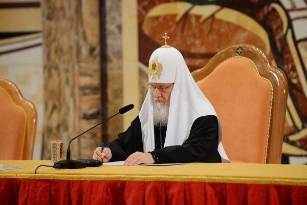 Патриарх Кирилл: Нужно запрещать священников, говорящих, что дети болеют «за грехи»