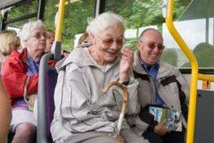 """В Москве появился """"Добрый автобус"""" – бесплатный транспорт для пожилых"""