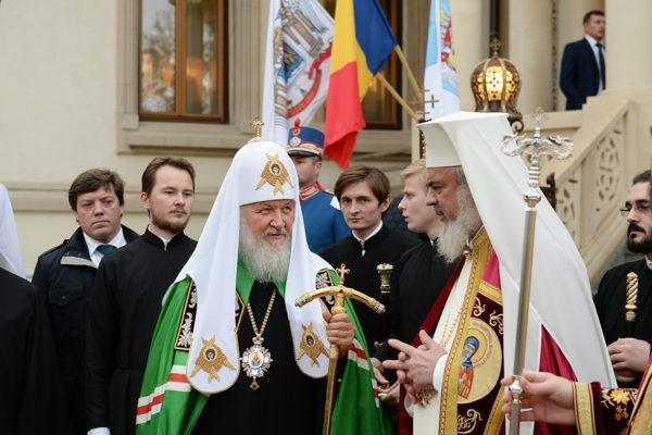 Патриарх Кирилл прибыл вРумынию