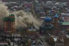 В Барнауле горят трапезная и хозяйственные постройки при Регентской школе
