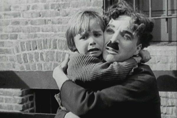 Киноклуб «Правмир» покажет легендарный фильм Чарли Чаплина «Малыш»