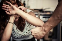 Вышла замуж за тирана – терпи и смиряйся