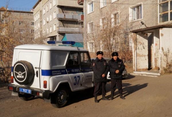 Бурятские полицейские спасли 12 человек из горящего дома