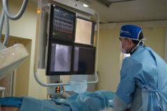 В Екатеринбурге спасли кардиолога, который перенес инфаркт после суток дежурства