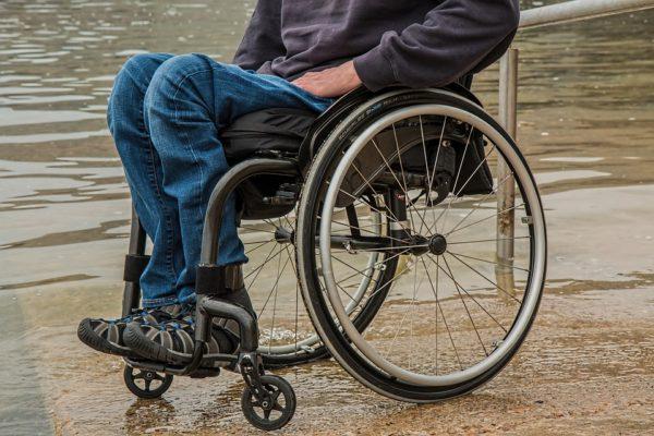 Общественная палата разберется, почему ребенку-инвалиду отказали в выплате пенсии