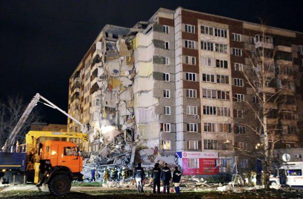 Жители Ижевска помогают пострадавшим от обрушения дома