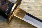 Сотрудница колонии пыталась зарубить мечом новосибирских священников