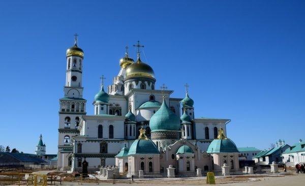 Владимир Путин осмотрел отреставрированный Ново-Иерусалимский монастырь