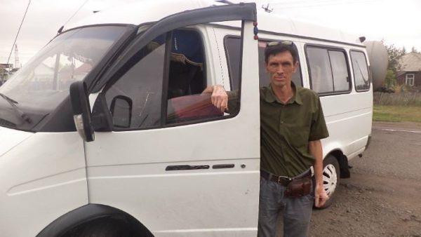 Почти 160 тысяч россиян выступили в защиту омского водителя-альтруиста