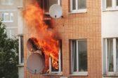 В Мурманской области почтальон спасла из пожара двоих детей