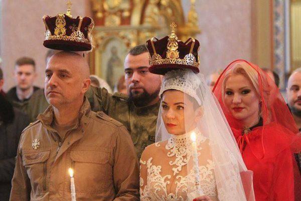 Писатель Захар Прилепин обвенчался со своей женой