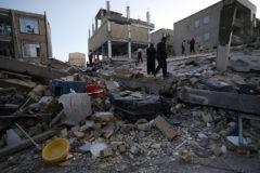 Землетрясение в Иране: 211 погибших, около двух тысяч раненых