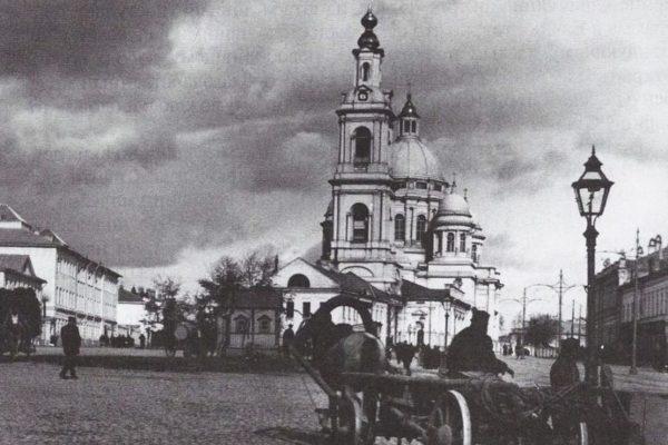Елоховский приход был равен процветающему уездному городу…