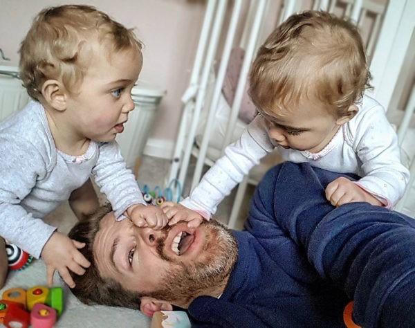Ретро отец спит с дочкой