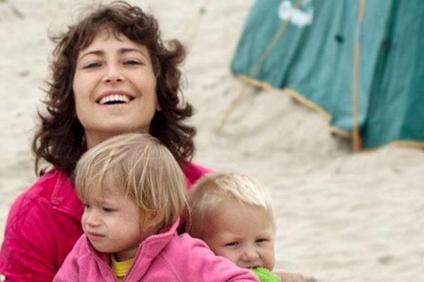 Мама моя пришла в ужас, но я усыновила детей с ВИЧ-статусом