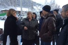 В Хакасии из семьи изъяли семерых детей из-за длинных волос сына
