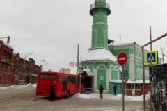 В Казани автобус въехал в мечеть: пострадавших нет