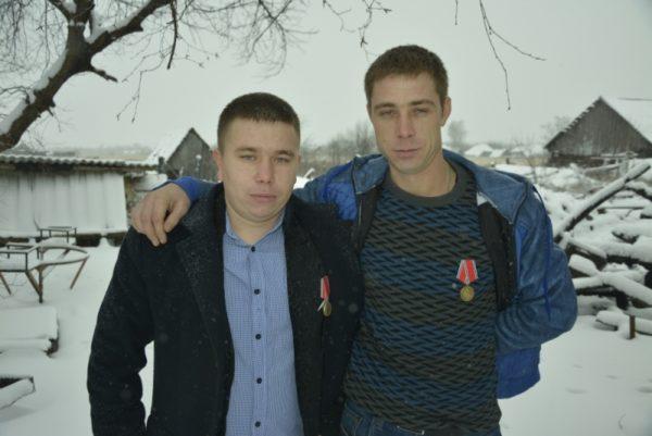 В Мордовии два друга детства спасли из горящего дома парализованную пенсионерку