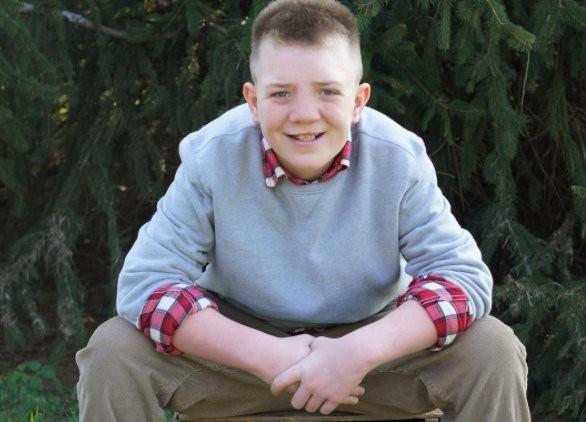 Американские знаменитости поддержали подростка, над которым издевались в школе