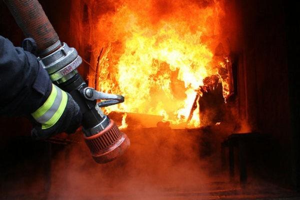 В Смоленской области мальчик девяти лет спас из пожара двоих братьев и сестру