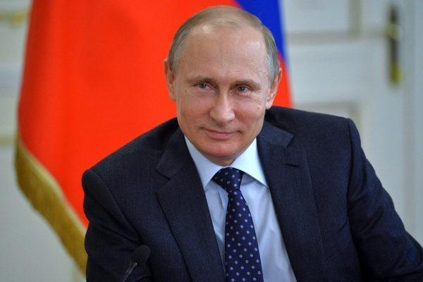 Президент России объявил 2018-й годом добровольца