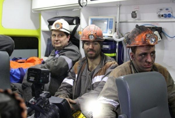 Заблокированные в шахте на Кузбассе горняки спасены