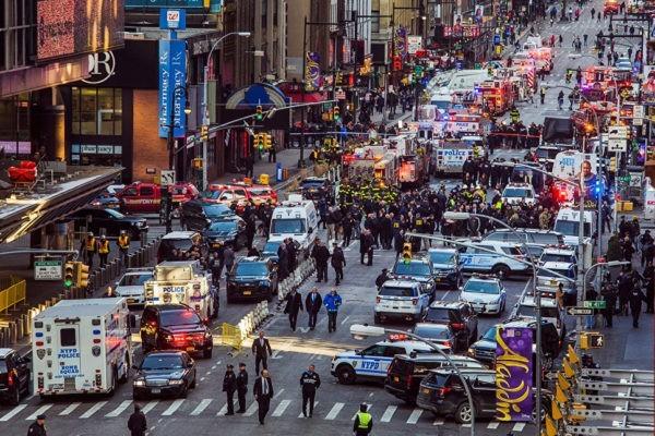 Посольство России призвало россиян к бдительности после теракта в Нью-Йорке