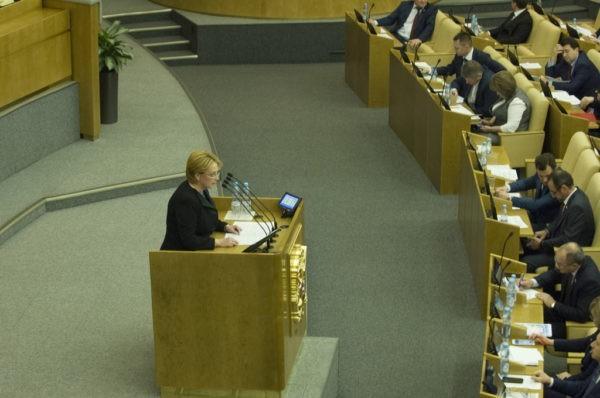Глава Минздрава считает, что фонды должны согласовывать с ведомством сбор денег на операции