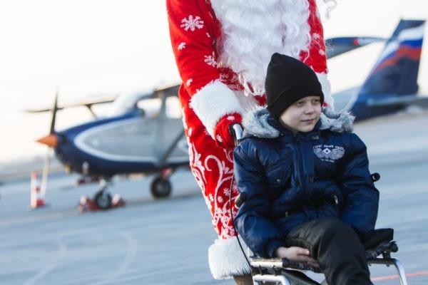 Калининградские летчики исполнили мечты тяжелобольных детей