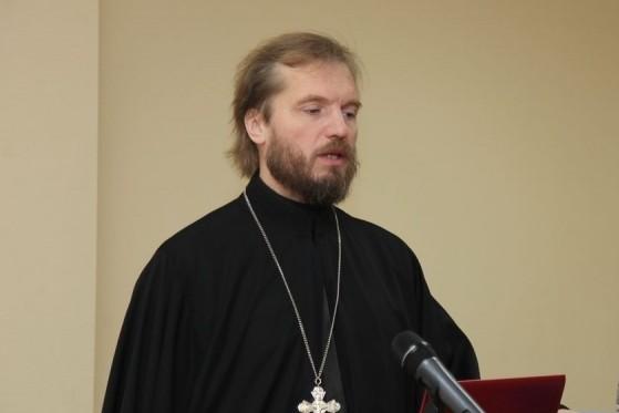 Протоиерей Алексей Емельянов: Существует вариативность толкования стиха Молитвы Господней «не введи нас во искушение»