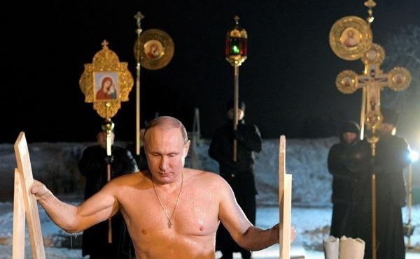 Иеромонах рассказал о подготовке Путина к купанию в крещенской проруби